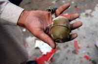 На депутата Киевского облсовета напали с муляжом гранаты