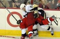 У НХЛ гравець обличчям відправив шайбу у ворота суперника