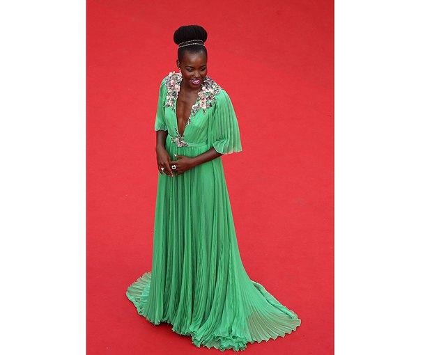 Кенийская актриса Лупита Ньонго
