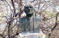На подвір'ї колишнього партійця на Полтавщині знайшли пам'ятник Леніну