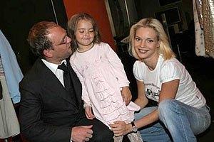 Печерский суд взыскал с Власенко 25% заработка на алименты