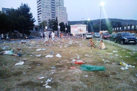 Порошенко рассмотрит петицию с требованием штрафовать за мусор