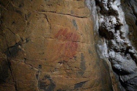 В Іспанії знайшли печерні малюнки неандертальців, яким понад 60 тис. років