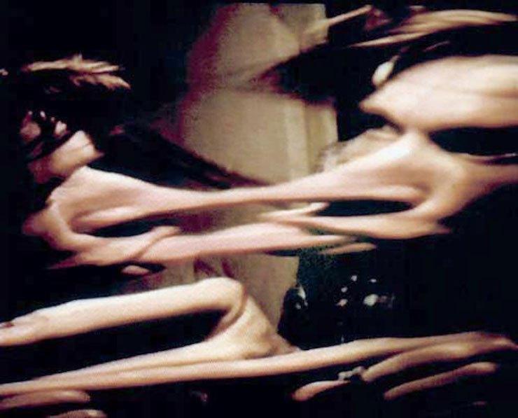 Кадр из работы «Кривые зеркала. Живые картины». Александр Гнилицкий, Наталья Филоненко, Максим Мамсиков (1994)