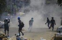 В Мьянме на протестах в субботу убиты более 100 человек