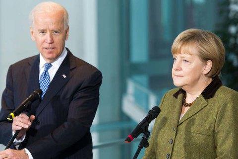 Меркель і Байден закликали Росію скоротити військову присутність на кордоні з Україною