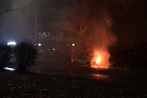 В Ужгороде подожгли автомобиль бывшего посла Украины в Швейцарии