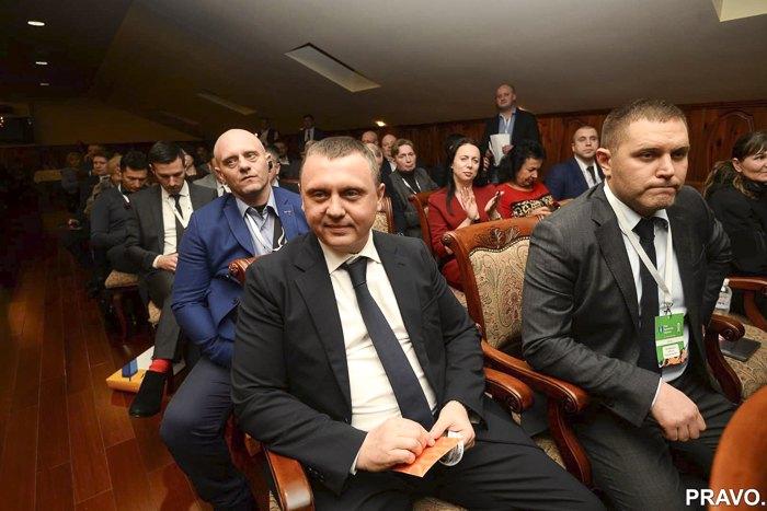 <b>Павло Гречківський і Олексій Маловацький під час з*їзду адвокатів</b>