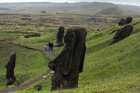 Коронавірус виявили на острові Пасхи, одному з найвіддаленіших місць у світі