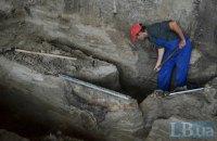 Археологи показали новые находки на Почтовой площади