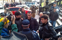 """В Одессе активисты задержали и передали милиции 30 местных """"полицейских"""""""