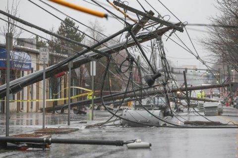 """Три штата США объявили ЧП в связи с приближением шторма """"Альберто"""""""