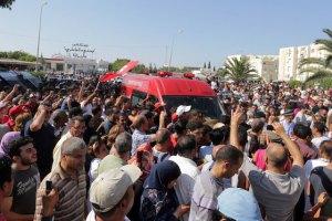 Лидеров тунисской оппозиции убивают из одного оружия