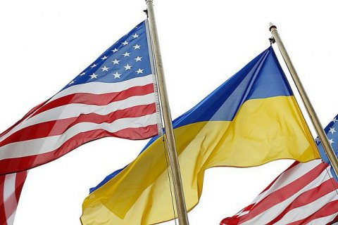 Четыре сенатора и два конгрессмена США прибыли в Киев