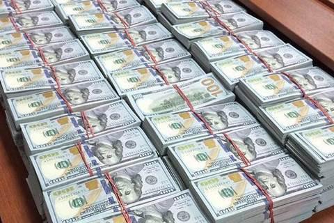 У квартирі російського міліціонера знайшли $120 млн готівкою