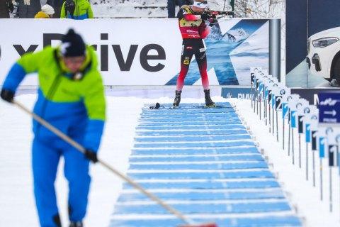 Россия сенсационно выиграла биатлонные эстафеты на Кубке мира в Оберхофе