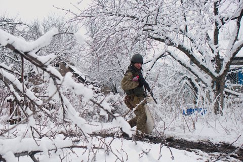 За прошедшие сутки боевики 12 раз открывали огонь по силам ООС