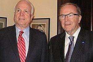 Украинская власть установила антирекорд в ухудшении демократии, - сенаторы США