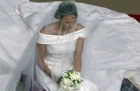 Над свадебным платьем княгини Монако работали 2500 часов