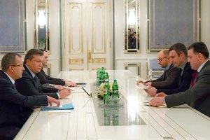 Кличко, Яценюк и Тягнибок снова пошли на переговоры с Януковичем