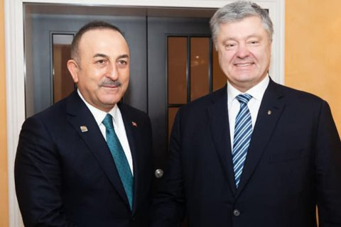 Порошенко поговорил по телефону с министром иностранных дел Турции