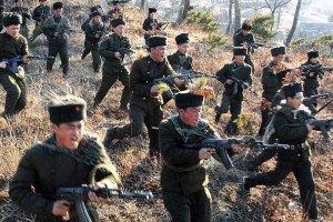 КНДР провела навчання з макетами південнокорейських військових об'єктів