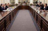 Порошенко попросив сенаторів США організувати зустріч Байдена із Зеленським до переговорів з Путіним