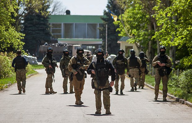 Украинские силовики во время АТО в Карматорске