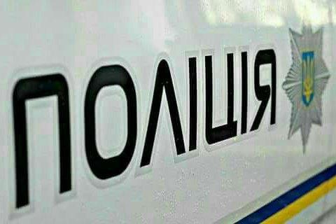В Харькове мужчина хотел прыгнуть с балкона с веревкой на шее
