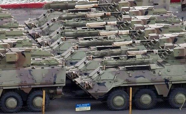 БТР-4 перед отправкой в Ирак