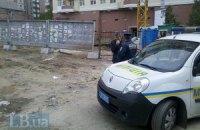 Скандальную стройку в центре Киева обносят забором