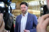 Партія Вакарчука зняла з виборів кандидата, який виявився зятем Загорія
