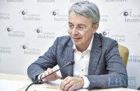 Министр культуры публично вакцинировался против ковида
