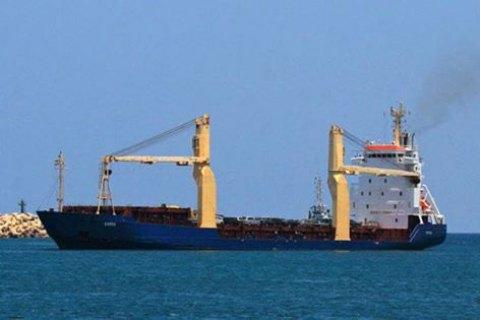 Двоє українських моряків із арештованого в Лівії судна повернулися в Україну