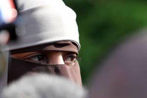 МЗС Австрії закликало заборонити роздавати Коран на вулицях країни