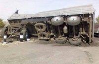 Поезд врезался в грузовик на переезде в Харьковской области