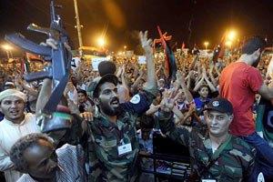 Повстанцы захватили столицу Ливии. Сыновей Каддафи взяли в плен
