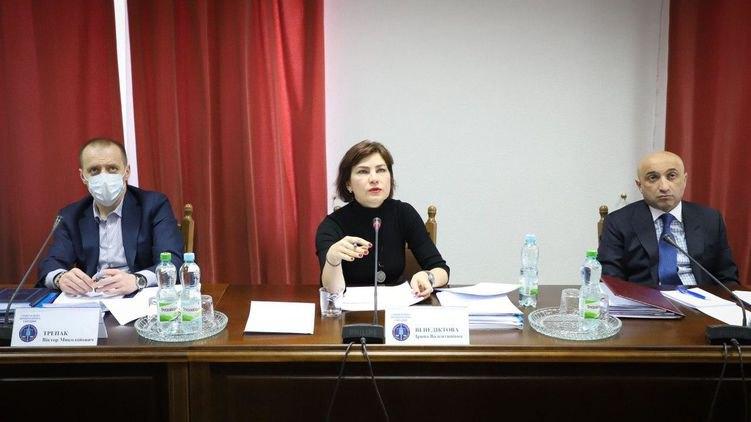 Генпрокурорка Ірина Венедіктова (в центрі) та Гюндуз Мамедов (справа)