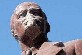 Коммунисты сохранят безносую голову Ленина с Бессарабки у себя