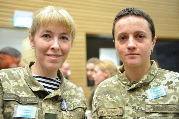Слева-направо: Елена Белозерская и Дария Зубенко