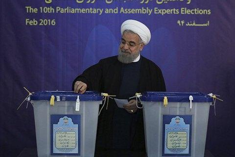 На парламентских выборах в Иране победили умеренные силы