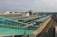 У Донецьку снаряд потрапив в будівлю залізничного вокзалу