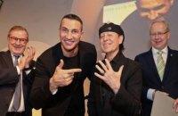 Владимир Кличко вручил награду фронтмену группы Scorpions