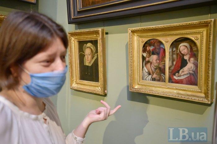 Катерина Чуєва показує свою улюблену картину: Ханенківський диптих «Поклоніння волхвів».