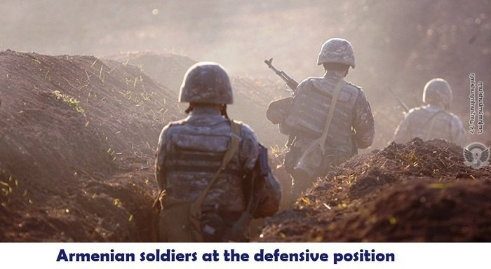 Военнослужащие ВС Армении на позициях