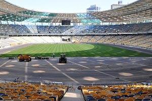 УЕФА не рассматривает возможность изменения сроков Евро-2012
