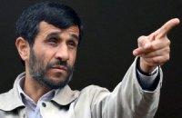 Ахмадинежад поддерживает новый дизайн одежды для иранских женщин