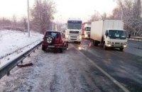 Через ожеледицю в ДТП у Києві постраждали двоє дітей