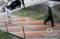 Налетчики в масках Шрека ограбили ювелирный магазин под Харьковом