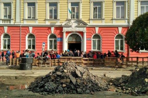 11 школьников в Ужгороде попали в больницу из-за отравления газом